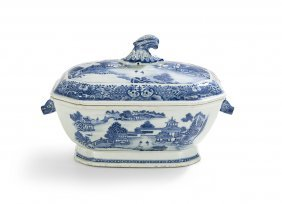 Chinese Export Blue And White Soup Tureen