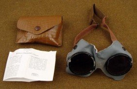 WWI GERMAN AIR FORCE PILOT FLYER'S GOGGLES WITH CASE