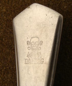 SS-T DANZIG DINING ROOM FORK WITH SKULL