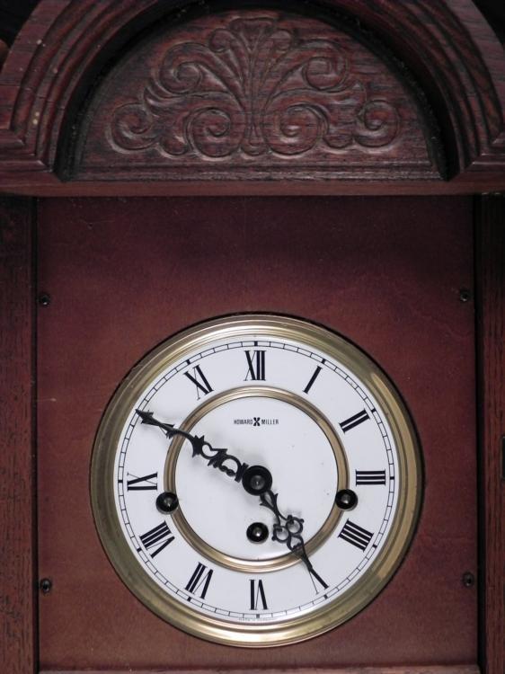 howard miller vintage wooden winding wall clock 612 462