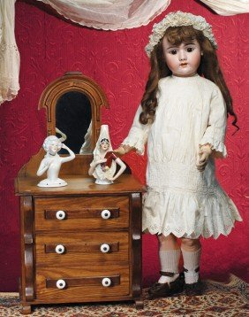 PRETTY GERMAN BISQUE DOLL BY HANDWERCK.  Marks: 109