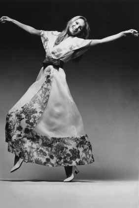 2 Fashion Photographs; Tiziani + Lagerfeld + Liz