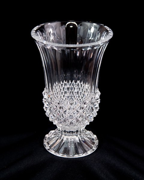 410 cristal d 39 arques glass vase made in france lot 410. Black Bedroom Furniture Sets. Home Design Ideas