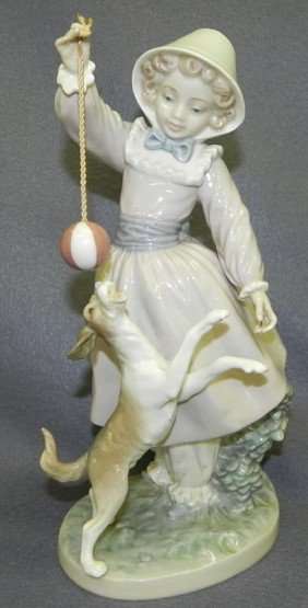 "Lladro ""Teasing The Dog"" Figurine."