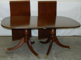 Dbl Pedestal Mahog Banquet Table With 2 Leaves.