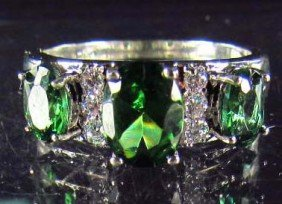 8167 - WHITE GOLD PLATED EMERALD & TOPAZ RING - 17.6
