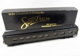 BACHMANN SPECTRUM DINER TRAIN CAR IN ORIGINAL BOX
