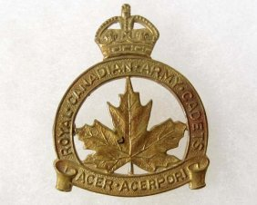 ROYAL CANADIAN ARMY CAP BADGE