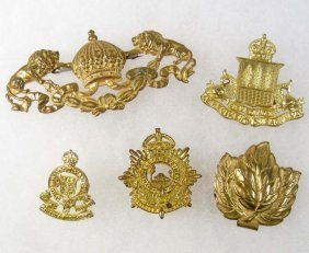 LOT OF CANADIAN MILITARY CAP BADGES