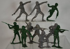 Early Lot Of Marx Large Soldiers