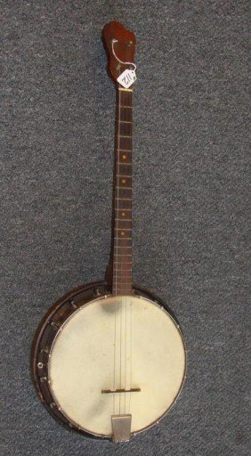 Vintage 4 String Banjo. 34� L X 13� Dia. On B