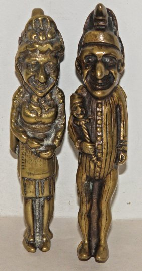 A PAIR OF CAST BRASS PUNCH & JUDY NUT CRACKERS