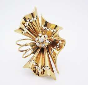 Vintage Depose 18k Gold Pin Brooch With Diamonds