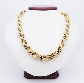 Vintage 18k Yellow Gold Rare Design Necklace