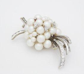 Van Cleef & Arpels Brooch With Diamonds & Pearls