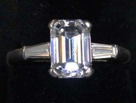 Outstanding Ladies Platinum And Emerald Cut 2.35 Ct