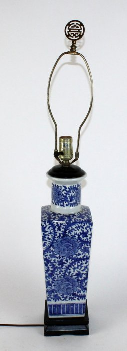 Chinese Blue & White Porcelain Lamp