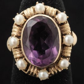 AMETHYST, CULTURED PEARL, 14K YELLOW GOLD RING.