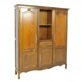 A COUNTRY FRENCH OAK ARMOIRE