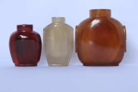 Three Chinese Agate Snuff Bottles,