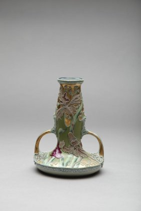 NIPPON HAND PAINTED MORIAGE TWO-HANDLE VASE