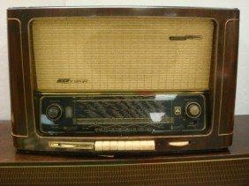 GRUNDIG MAJESTIC KLANG Table Top Radio: