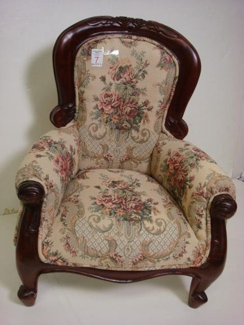 Child s victorian style overstuffed arm chair lot