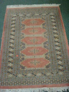 Low Pile Persian Style Pink Area Rug: