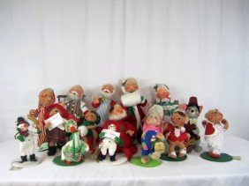 D31-15  LOT OF 16 VINTAGE ANNALEE DOLLS