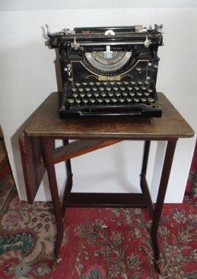 1912 Underwood Typewriter & Stand