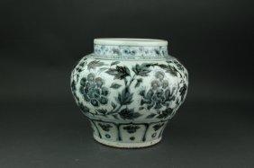 Chinese Bw Yuan/ming Porcelain Jar