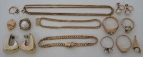 ASSORTMENT OF VINTAGE GOLD JEWELRY