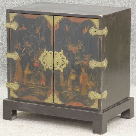 GEORGE III PAINTED CHEST With Full Interior Circa 1