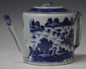 Late 18th Century Chinese Export Teapot