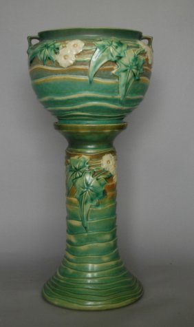 Roseville Luffa Jardiniere & Pedestal
