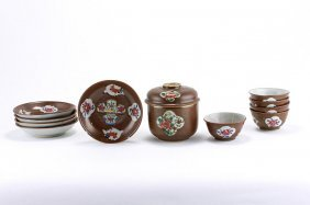 15. ANTIQUE CHINESE TEA CUPS AND SAUCERS
