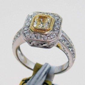 1.21ctw (0.64ct SI-1 CNTR) Diamond 18KT Gold Ring
