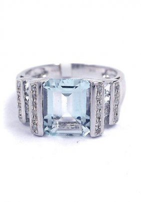 3.14ct Aquamarine & 0.12ctw Diamond 14KTW Gold Ring