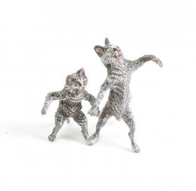 Bronze Cold Painted Cats Holding Hands