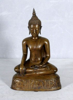 BRONZE FIGURE OF A SEATED BUDDHA SITTING IN THE LO