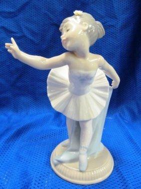"""Lladro Nao Little Ballerina Girl 7"""" Tall"""