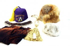 Linen Lot With Fur Hats, Mink Collar, And Odd Fell
