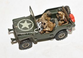 1951 Arnold #2100 Jeep With 3 Figures Ex Condition