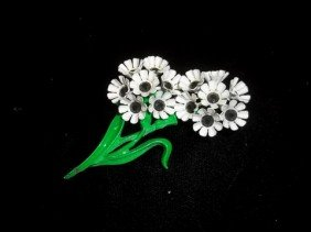 Nice Flower Brooch