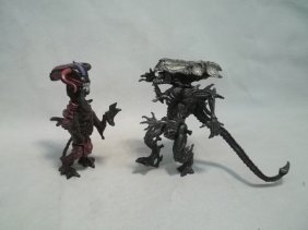 2-1992 Kenner Alien Movie Figures