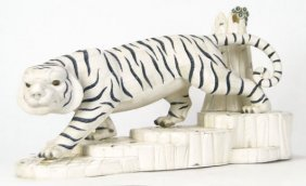 REALISTIC LARGE BONE CARVING OF A SIBERIAN TIGER