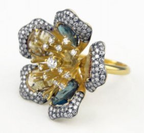 18KT YELLOW GOLD DIAMOND AND DIAMOND SLIVERS FLOWE