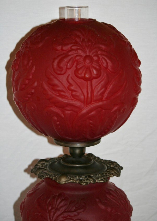 186 Red Satin Glass Gone With The Wind Lamp Lot 186
