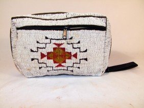 Sioux Fully Beaded Man's Zippered Bag