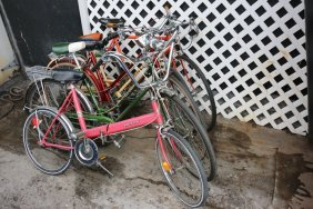Five Vintage Bicycles Incl Two Schwinn